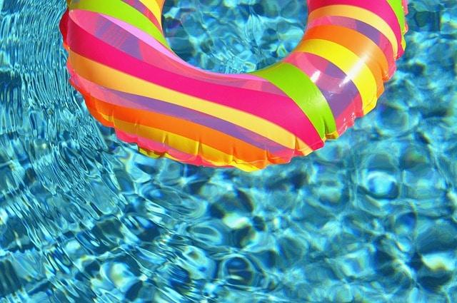 בריכת שחיה פרטית