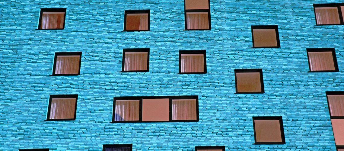 איטום קירות מבנים באתר ביטומני